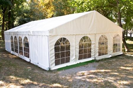 השכרת אוהל ענק 5X12