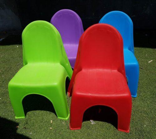 כיסא ילדים להשכרה